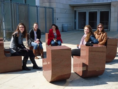 HUST students at the Chicago Art Institute