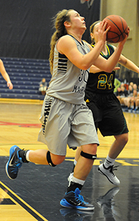 Krista Knapke led the Belles with 17 points on Saturday.