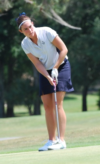 Natalie Matuszak watches her putt during day one of the NCAA DIII Championships.