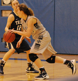 Ariana Paul looks to drive around a defender in the second half on Wednesday.