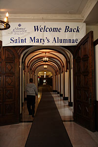 A banner welcomes alumnae to the 2009 Reunion.