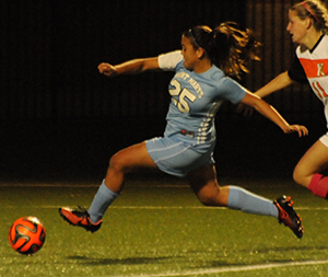 Liza Felix prepares to send a sliding-shot toward goal in the 75th minute.