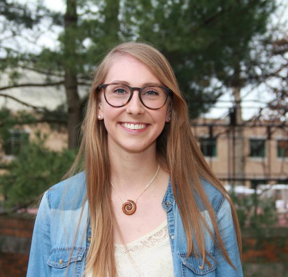 Lauren Zurawski learns more when studying abroad